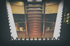 Point of view (michael_hamburg69) Tags: hamburg germany deutschland hansestadt stairs treppe treppenhaus stairway chilehaus kontorhaus handlauf handrail hausc eingangc
