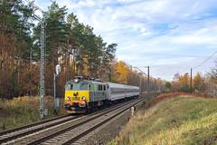 EP07-442, Poznań Wola (pedro4d) Tags: poznań wola pociąg kolej stacja semafor train railway jesień autumn pkp intercity nikon d800 carl zeiss planar 5014