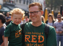 "father and son, having a red hair day (e³°°°) Tags: ""redhead day"" rood roodharigendag red retratos rouge ros roodharig rot rothaarig hair redhead days 2017"" ""roodharigendag rhd2017 pelirrojo portrait portraiture posing retrato rosso breda nl glimlach ginger lach smile sorria sonrisa sourire valkenbergpark stunning красный рыжий ryzhiy pelirroja redhaired mc1r"