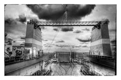 Les cheminées (Jean-Louis DUMAS) Tags: sea mer boat bateau cheminée monochrome blackandwhite noiretblanc bw nb