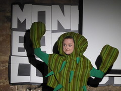 ACMS 17/08/18: A Cactus (Diamond Geyser) Tags: thealternativecomedymemorialsociety alternativecomedymemorialsociety edinburghfringefestival2018 edinburghfringefestival edfringe2018 edfringe comedy comedian comic onstage gig show standup acms monkeybarrel travellingsisters cactus costume fancydress