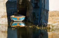 Peaceful (frankdorgathen) Tags: sony sonyrx10m3 sonyrx10iii ruhrpott ruhrgebiet dortmund schlossbodelschwingh stillleben stilllife reflection spiegelung boot boat