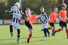 """HBC Voetbal • <a style=""""font-size:0.8em;"""" href=""""http://www.flickr.com/photos/151401055@N04/43910409920/"""" target=""""_blank"""">View on Flickr</a>"""