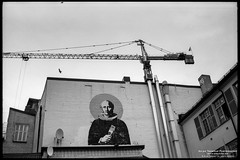Mural in Strøget (The Autodidact Photographer) Tags: 35mm analoge analogue bw blackwhite by capital capitale city ciudad continent coreshell™ delta100professional ernstleitzgmbh europa europe europedunord film filmphotography foto fotografering germany hauptstadt hovedstad iso100 ilford kamera kontinent leica leicam2 lens mmount m2 mf manual manualfocus monochrome nokton noktonclassic norden nordeuropa nordiccountries nordischeländer norge northerneurope noruega norvège norway norwegen objektiv oslo paysnordiques photo photography rangefinder scandinavia scandinavie skandinavia skandinavien southeasternnorway stadt type ville voigtlander voigtländernokton35mmf14 wetzlar østlandet