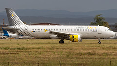 Airbus A320-214 EC-KDG Vueling (William Musculus) Tags: airport spotting basel mulhouse freiburg bsl mlh eap euroairport lfsb flughafen eckdg vueling airbus a320214 vy vlg