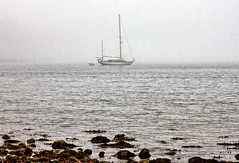 Foggy Day on the Coast of Maine (pandt) Tags: boat sailboat ocean cove bay harbor rocks sea water fog mist misty waves waterscape outdoor day daytime seaweed maine acadia national park mtdesertisland atlantic canon eos rebel t1i flickr atanchor acadianationalpark looproad