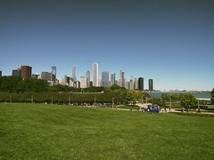 Walk (ancientlives) Tags: chicago illinois il usa travel trips saturday autumn 2018 september city cityscape landscape skyline skyscrapers sky bluesky towers architecture museumcampus lake lakemichigan lakefronttrail