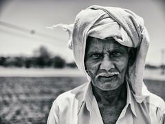 இந்த புழுதி தான் உடல் ஆச்சு  இந்த காற்று தான் உயிர் மூச்சு. (Prabhu B Doss) Tags: prabhubdoss fujifilm gfx50s gf3264mm portrait blackandwhite bw us madurai tamilnadu india farmer