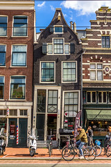 Construyendo torcido (Udri) Tags: edificio viaje amsterdam architecture arquitecto building holanda holland k3 netherlands pentax torcido travel trip ventanas windows