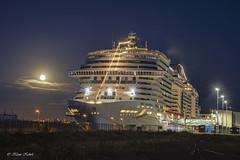 MSC Meraviglia - 24091801 (Klaus Kehrls) Tags: hamburg hamburgerhafen kreuzfahrtschiff vollmond nachtaufnahme schiffe