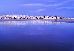 ILUSIÓN  - ILLUSION. (frank olayag) Tags: playa frankolaya mar reflejos reflexiones nikond5300 españa andalucia conildelafrontera pueblosblancos agua airelibre cadiz beacheslandscapes