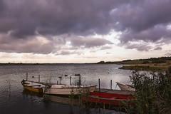 Glenstrup Sø - Både ved anløbsbro (Walter Johannesen) Tags: glenstrup sø landskab eftermiddag vand både joller