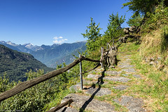 Antichi sentieri (cesco.pb) Tags: valchiavenna acquafraggia savogno lombardia lombardy valtellina alps alpi canon canoneos60d tamronsp1750mmf28xrdiiivcld sentiero montagna mountains