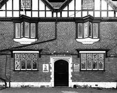 The Counting House (Snapshooter46) Tags: countinghouse highstreet tring tilehung tudorrevival architecture architect williamhuckvale monochrome blackandwhite photosketch lattice oriel windows