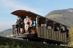 Stanserhorn - Bahn SthB ( Eröffnung 1893 - Bergbahn - weltweit die erste Standseilbahn mit Zangenbremse - Drahtseilbahn ) bei Stans im Kanton Nidwalden der Schweiz (chrchr_75) Tags: hurni christoph oktober 2018 albumzzz201810oktober chrchr chrchr75 chrigu chriguhurni chriguhurnibluemailch schweiz suisse switzerland svizzera suissa swiss standseilbahn seilbahn funicular funiculaire vuoristorata funicolare ケーブルカー kabel fløibanen kolejka linowa linbana sveitsi sviss スイス zwitserland sveits szwajcaria suíça suiza