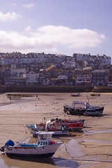 3KB02475a_C (Kernowfile) Tags: cornwall stives cornishharbours cornish harbour sand boats water sky clouds beach cottages shops