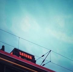 Planets #Himmel #sky #advertising #leuchtreklame #saturn #morning #morgens #köln #cologne #liebedeinestadt #vsco #vscocam #snapseed #train #zug #sbahn #haltestelle #station #commute #pendeln