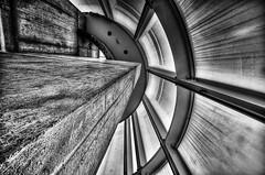 bögen (Tom Putzke) Tags: architektur kunst beton glas stahl architecture arp rolandseck monochrom schwarz weiss wetter rhein museum deutschland germany bahnhof bahnhofrolandseck hansarp remagen bonn geometrisch linien flächen fassade fassaden oberfläche symetrie