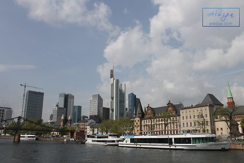 "Frankfurt • <a style=""font-size:0.8em;"" href=""http://www.flickr.com/photos/104879414@N07/30124158837/"" target=""_blank"">View on Flickr</a>"