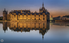 Chantilly (1/3) [FR] (ta92310) Tags: travel picardie picardy oise 60 hautsfrance chantilly palace chateau bluehour summer 2018 architecture canon longexposure morning matin dawn