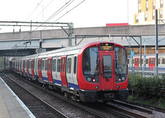 S stock to Ealing Broadway . (AndrewHA's) Tags: barking london railway station lul district line s stock bombardier derby built tfl underground 21483 commuter passenger service
