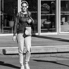 shielded from the outside world (every pixel counts) Tags: 2018 berlin people capital city street mitte germany everypixelcounts blackandwhite woman 11 headphones bw square smartphone eu day mobiledevice móvil celular cellularphone berlinalive earphones mobile