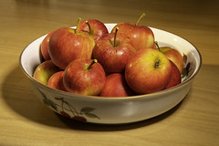 20180930_Garden Apples (Damien Walmsley) Tags: delicious apple tree stilllife bowl red juicy english summer harvest