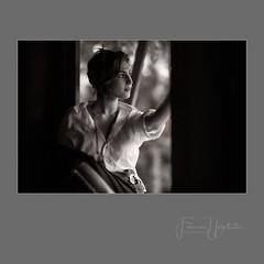 Elke (Frans van Hoogstraten) Tags: elfia2018 arcen leica m10p portrait sepia blackandwhite blackwhite availablelight noctilux095