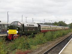 Class 40 D213 TNT Class 47 D1924 on 1Z13 Crewe - Scarborough at Stalybridge 06/10/2018 (37686) Tags: class 40 d213 tnt 47 1z13 crewe scarborough stalybridge 06102018 d1924