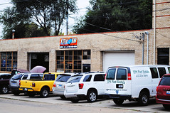 Kiddie Kar Auto Sales & Repair - Ottawa, Illinois (Cragin Spring) Tags: ottawa ottawail ottawaillinois illinois il midwest unitedstates usa unitedstatesofamerica car van truck garage kiddiekarautosalesrepair autosales repair shop