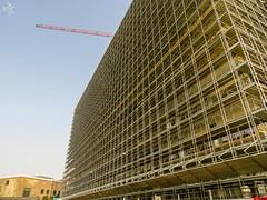 Punti di fuga in costruzione. Milano (diegoavanzi) Tags: milano milan italia italy sony hx300 bridge lombardia lombardy cantiere