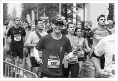 Dam tot Damloop (Chris 1971) Tags: amsterdam damtotdamloop prinshendrikkade runners hardlopers man guy male