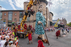 #GiantsLiverpool2018/14 (davenewby123) Tags: giantsliverpool2018 liverpool giants cities davenewby2 spectacularshow road people statue building city tower crowd sky giantspectacle liverpoolgiants giantsliverpool tree royalliverbuilding bike giantgrandmother giantxolo