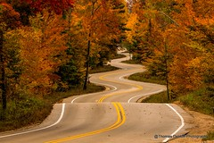 A fun stretch of road in Wisconsin (Thomas DeHoff) Tags: s curves wisconsin sony a700 tamron 70200 fall colors