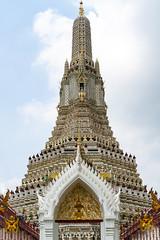 Indefinate (dlerps) Tags: bkk bangkok city daniellerps lerps sigma sony sonyalpha sonyalpha77 sonyalpha99ii sonyalphaa77 tha thai thailand urban lerpsphotography metropolitan temple watarun planart1450 carlzeissplanar50mmf14ssm carlzeiss buddhism buddhist tower historic religion symmetrical