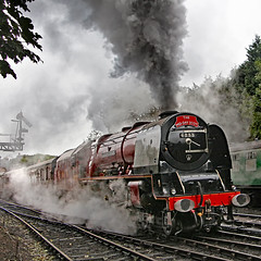 6233 Duchess of Sutherland (gareth46233) Tags: 6233 46233 duchess sutherland bridgnorth svr severn valley railway lms red clag