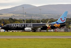 G-FDZG TUI (Gerry Hill) Tags: gfdzg tui boeing 7378k5 edinburgh airport scotland logo jet family life hotels gerry hill turnhouse ingliston d90 d80 d70 d7200 d5600 boathouse bridge nikon aircraft pussy aeroplane international airline egph airplane transport