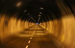 Effet tunnel (Pi-F) Tags: tunnel route géométrie italie espace architecture construction droit bout perspective effet conduite