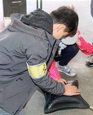 Kinder des Bundes-Blindenistitutes besuchten die Feuerwehr