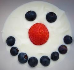 Blueberry Smile. HMM (seanwalsh4) Tags: snowman fruit blueberries happy fun humour love strawberry yogurt bio healthy laugh bfood hmm 15102018 tasty photography bristol seanwalsh smile macro macromondays
