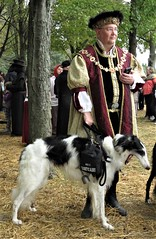 Maryland Renaissance Festival, 2018 (A CASUAL PHOTGRAPHER) Tags: marylandrenaissancefestival mdrf attendees dogs servicedogs costumes