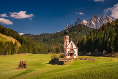 Making it perfect (Ettore Trevisiol) Tags: ettore trevisiol nikon d7200 sigma 17 50 28 dolomites dolomite dolomiti valley valle funes odle alps alpi clouds nuvole