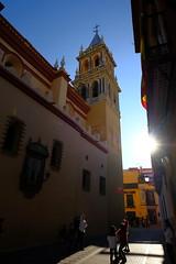 XE3F7973 - Torre de la Iglesia de Santa Ana, Sevilla - Tower of the Church of Santa Ana, Seville (Enrique R G) Tags: torredelaiglesiadesantaana sevilla towerofthechurchofsantaana seville españa spain torre iglesiadesantaana tower churchofsantaana santaana iglesia church callevázquezdeleca calle street fujifilmxe3 fujixe3 fujinon1024