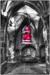 Vitrail (Eglise Saint-Léger de Guebwiller) (Francis =Photography=) Tags: europa europe france grandest alsace hautrhin 68 guebwiller églisesaintléger vitrail fenêtre stainedglass farbigesglas church kirche bâtiment arche mur hdr