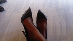 DSC_0489 (grandmacaon) Tags: highheels hautstalons toescleavage talonsaiguille lowcut lowcutshoes sexyheels stilettos