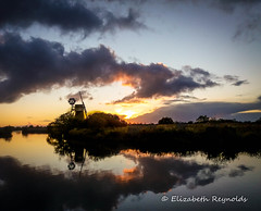 Day 301. (lizzieisdizzy) Tags: sundown sunset sunlight riverant norfolk norfolkbroads turffendrainagewindmill howhill windmill mill working sky bigsky clouds cloud dramatic beautiful nature natural reflections reflection reflective reflecting refection water rippling smotth still calming howiemarsh