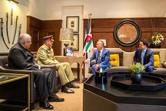 جلالة الملك عبدالله الثاني يستقبل، بحضور سمو الأمير الحسين بن عبدالله الثاني، ولي العهد، رئيس أركان الجيش الباكستاني الفريق أول قمر جاويد باجوا (Royal Hashemite Court) Tags: jordan pakistan army kingabdullahii kingabdullah crownprince al hussein bin abdullah الأردن باكستان جلالة الملك عبدالله الثاني ولي العهد الجيش