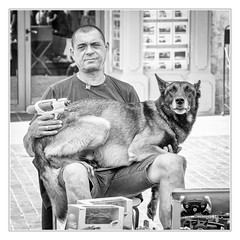 I protect my dog! (sdc_foto) Tags: sdcfoto street streetphotography bw blackandwhite pentax k1 people outdoor watergun dog man view france beziers summer