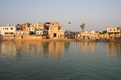 Radhakund - Golden hour (thomas.pirolt) Tags: radha radhakund shyamakund goverdhan braj krishna vrindavan india sony a7 a7ii