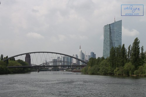 "Frankfurt • <a style=""font-size:0.8em;"" href=""http://www.flickr.com/photos/104879414@N07/43248576730/"" target=""_blank"">View on Flickr</a>"